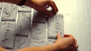 Имитация кирпичной стены из пенопласта