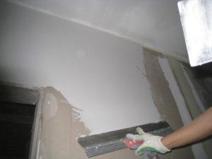 Отделка стен штукатуркой под покраску