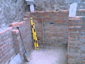 устройстве ограждающей стены по периметру будущего подземного помещения
