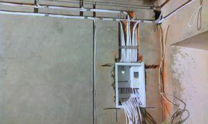 Монтаж электрической проводки на стены
