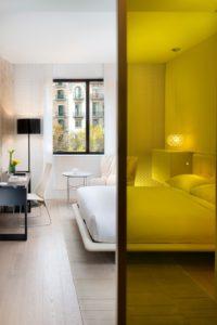 Устройство стеклянных стен в квартире