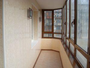 Варианты отделки стен балкона