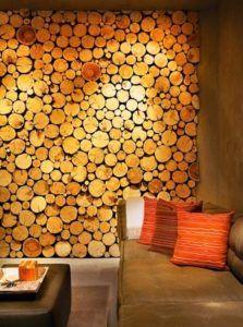 Декорирование гостиной спилом древесины.