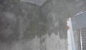 Выровненная кирпичная стена