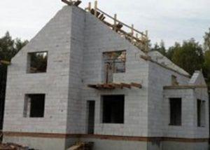 Двухэтажный дом из газоболоков