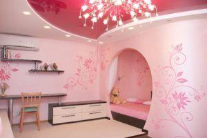 Оригинальную роспись стен в квартире без труда можно выполнить своими руками