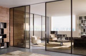 Наглядный пример визуального расширения пространства с применением стеклянных перегородок