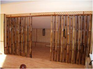 Деревянные перегородки в виде бамбуковых стеблей