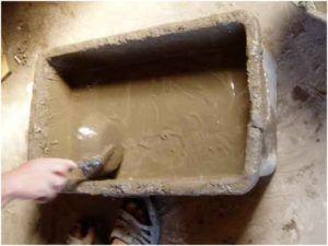 Зная, как приготовить раствор для штукатурки стен, можно добиться создания прочного слоя черновой отделки внутри или снаружи здания.