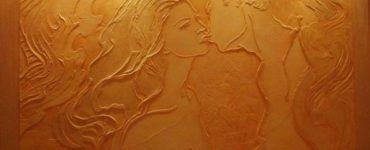 Мастера штукатуры могут создавать настоящие картины на стенах.
