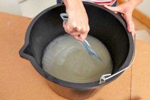 Приготовление клеевой смеси из сухого порошка