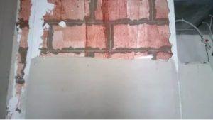 Оштукатуривание проводится как снаружи, так и внутри здания.