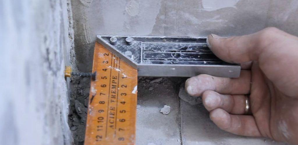 Как выровнять стены под 90 градусов