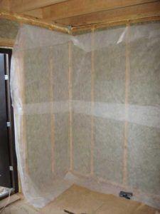 Как укладывать пароизоляцию на стены