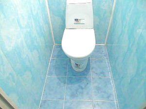 Отделка туалета стеновыми панелями