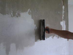 стену мазать