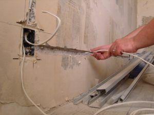 провода в стене