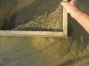 песок просеять