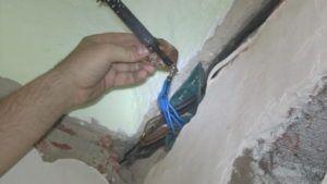 Штробы и крепеж проводников