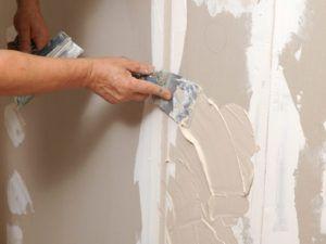 шпатлевать стену