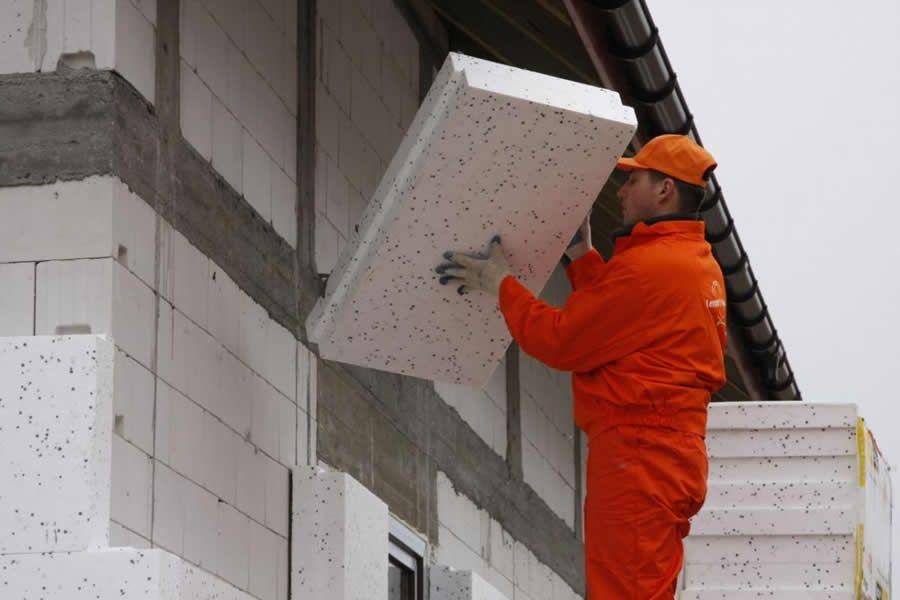 Утепление стен пенопластом своими руками технология теплоизоляции наружных стен расчет толщины и размеров утеплителя снаружи плотность и виды материала