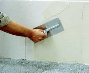 Пример нанесения состава на стену