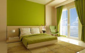 Интерьер спальни с окрашенными стенами