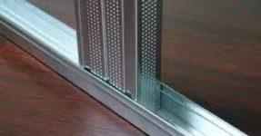 Правильно выбранные монтажные профили для гипсокартона обеспечивают прочность и долговечность конструкции.