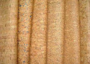 Пробковые обои для стен отличаются хорошим качеством и невысокой стоимостью.