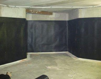 Гидроизоляция - важный этап защиты стен