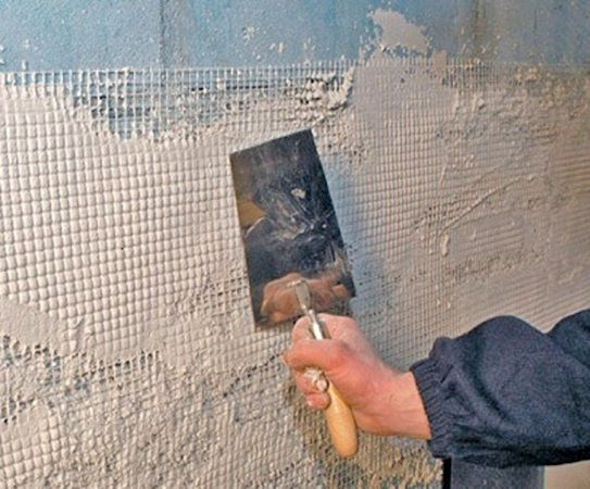 Выравнивание стен – достаточно трудоемкая процедура.