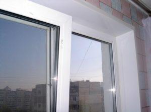 Откосы из ПВХ панелей сохраняют все свои свойства и качества, так как устойчивы к воздействию ультрафиолета и низких температур.