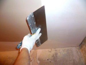 Применение гипсовой шпатлевки для стен
