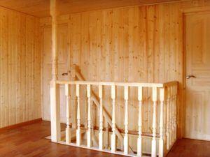 Вагонка из дерева является хорошим решением для обшивки поверхностей.
