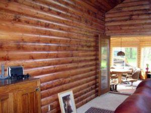 Блок-хаус отличается прочностью и высоким сроком эксплуатации.