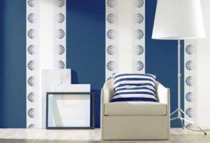 Вертикальное комбинирование позволяет визуально увеличить высоту пространства.