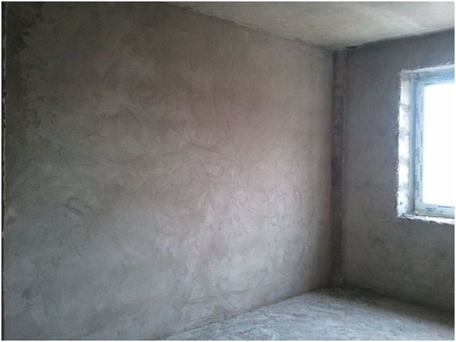 Стена, покрытая штукатуркой