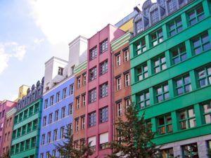 Разные фасады под одним видом отделки