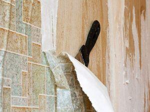 Процесс удаления старого покрытия