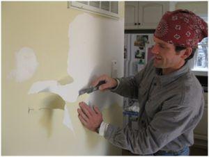 Порядок снятия водоэмульсионной краски со стен